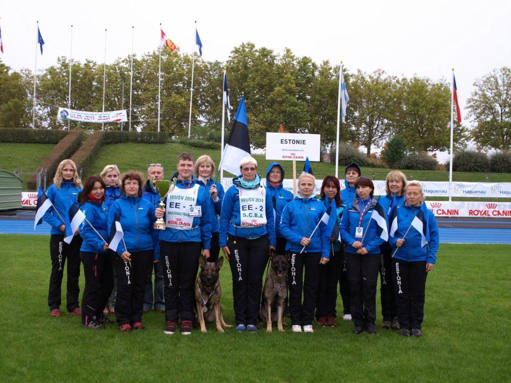 WUSV IPO MM 2014 Hagenau Prantsusmaa Karl Robert Mägi ja Break vom Finsteren Waldeck Toetusmeeskonnaga